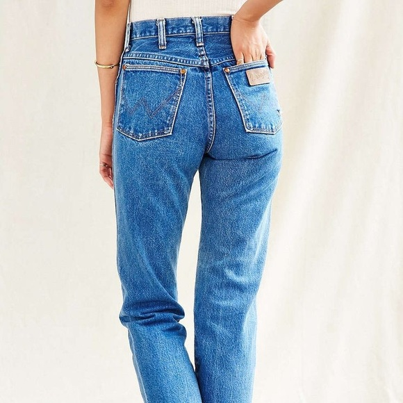 2b768f3b Beautiful Medium Wash Vintage Wrangler Jeans. M_5a5978733b160829960d5889
